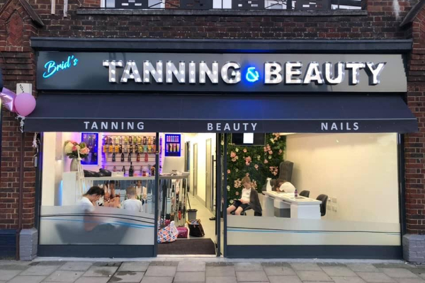Brid's Tanning & Beauty Banner