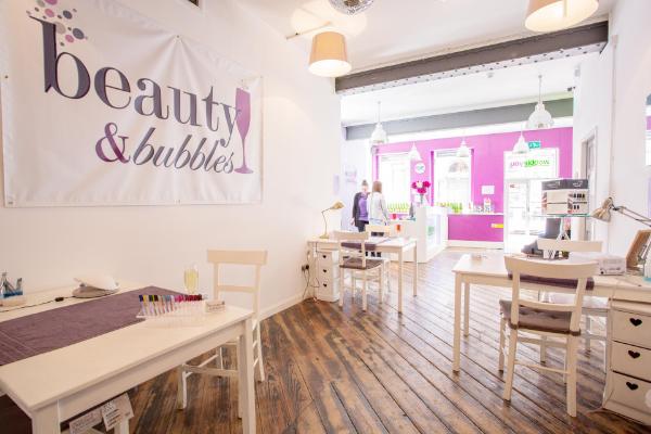 Beauty & Bubbles Banner