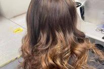 Creme de la Creme Hair & Beauty Boutique Banner