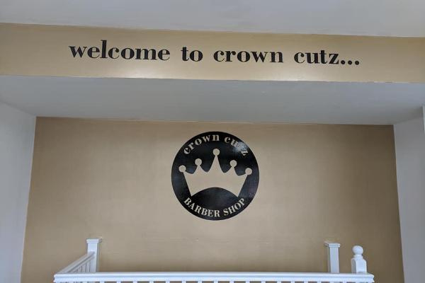 Crown Cutz Banner