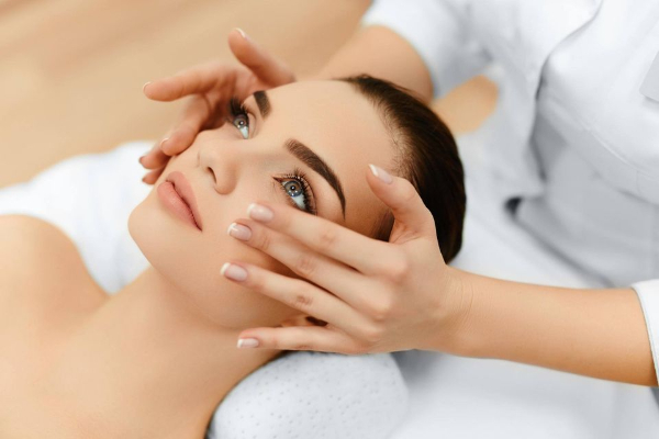 Aesthetics Advanced Beauty Banner