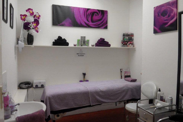 A Serene Touch at Oasis Hair & Beauty Banner