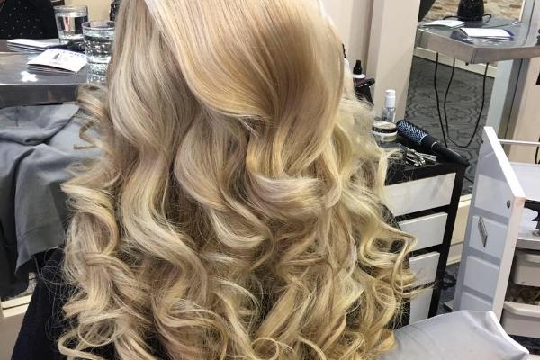 Diamond Hair & Beauty Banner